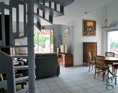 Sale Apartment 5 rooms 99m² Gières (38610) - photo