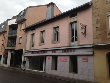 Location Local commercial 2 pièces 124m² Luxeuil-les-Bains (70300) - photo