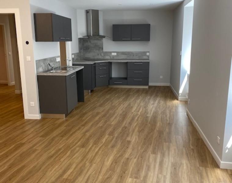Location Appartement 4 pièces 98m² Cours-la-Ville (69470) - photo