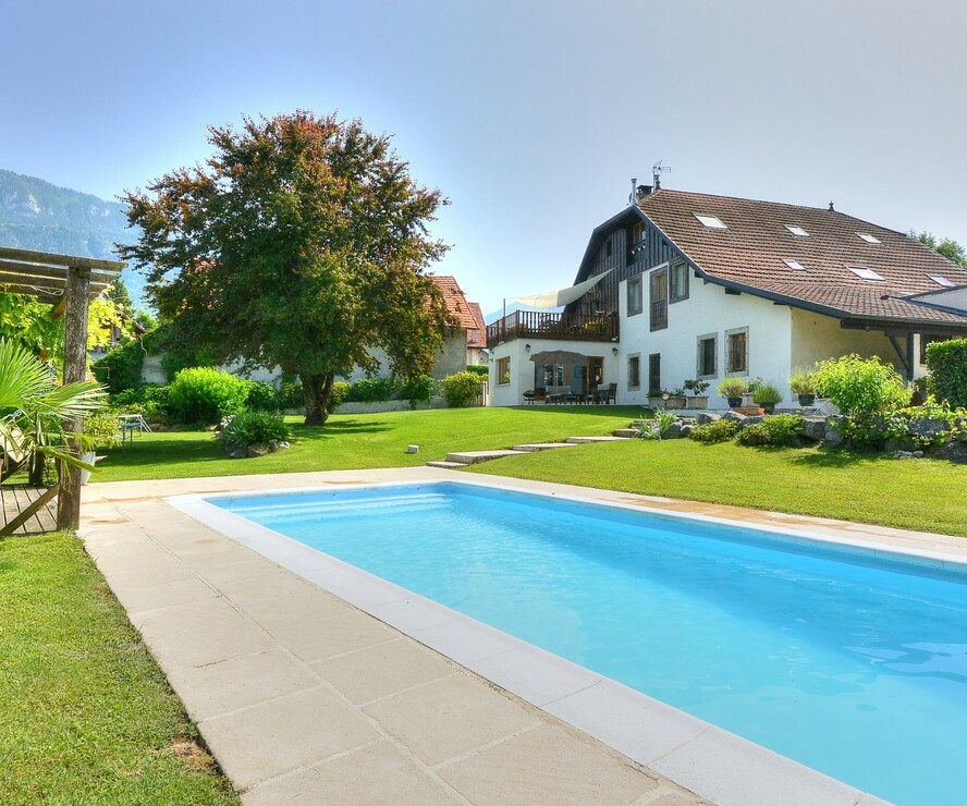 Sale House 12 rooms 480m² Saint-Pierre-en-Faucigny (74800) - photo
