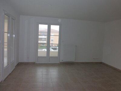 Location Appartement 4 pièces 78m² Savigneux (42600) - Photo 6