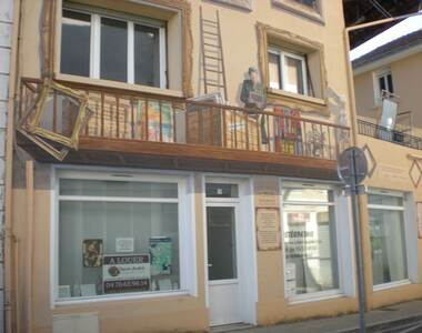 Location Local commercial 1 pièce 16m² Saint-Étienne-de-Saint-Geoirs (38590) - photo