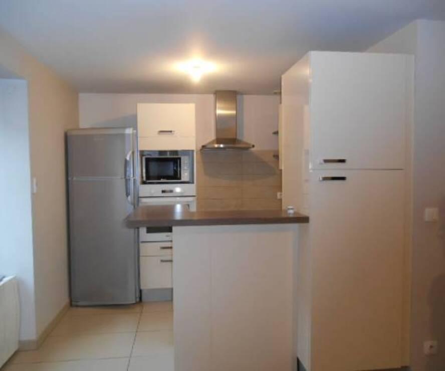 Location Appartement 3 pièces 71m² Cours-la-Ville (69470) - photo