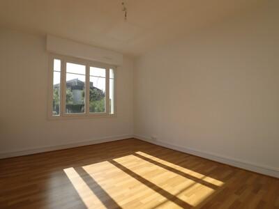 Location Appartement 3 pièces 74m² Pau (64000) - Photo 6