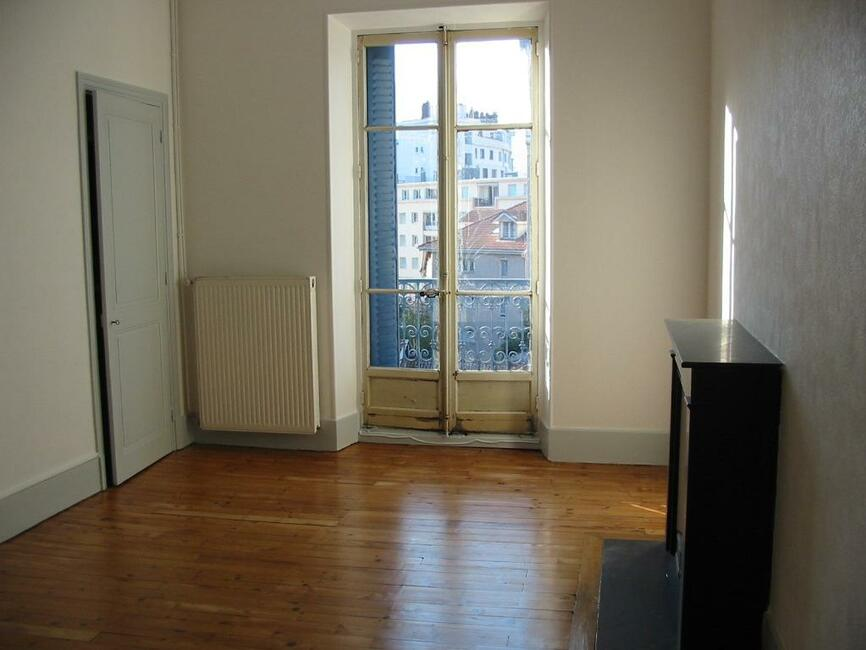 Location appartement 2 pi ces grenoble 38000 268655 for Location appartement atypique grenoble