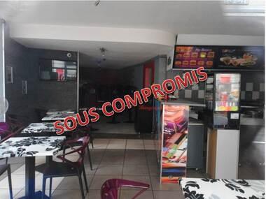Sale Commercial premises 1 room 92m² Tournon-sur-Rhône (07300) - photo