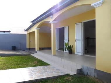 Location Maison 4 pièces 84m² Sainte-Suzanne (97441) - photo