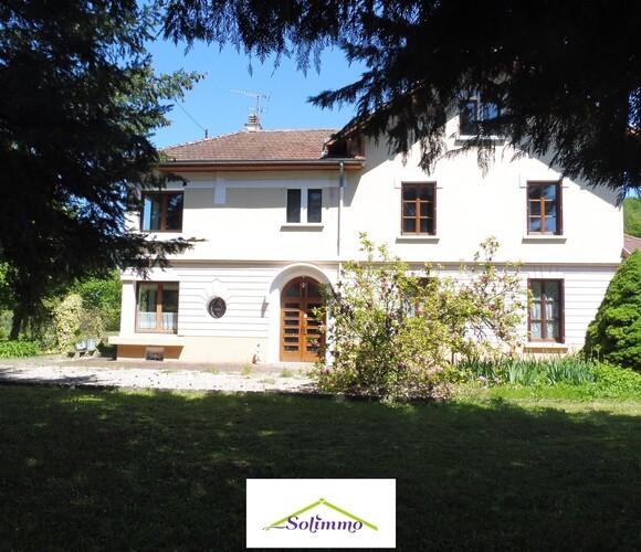 Vente Maison 6 pièces 157m² Bourgoin-Jallieu (38300) - photo