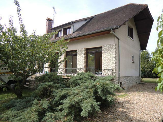 Location Maison 5 pièces 173m² Garennes-sur-Eure (27780) - photo