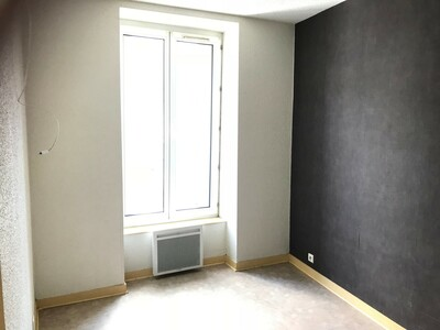 Location Appartement 4 pièces 84m² Saint-Étienne (42000) - Photo 4