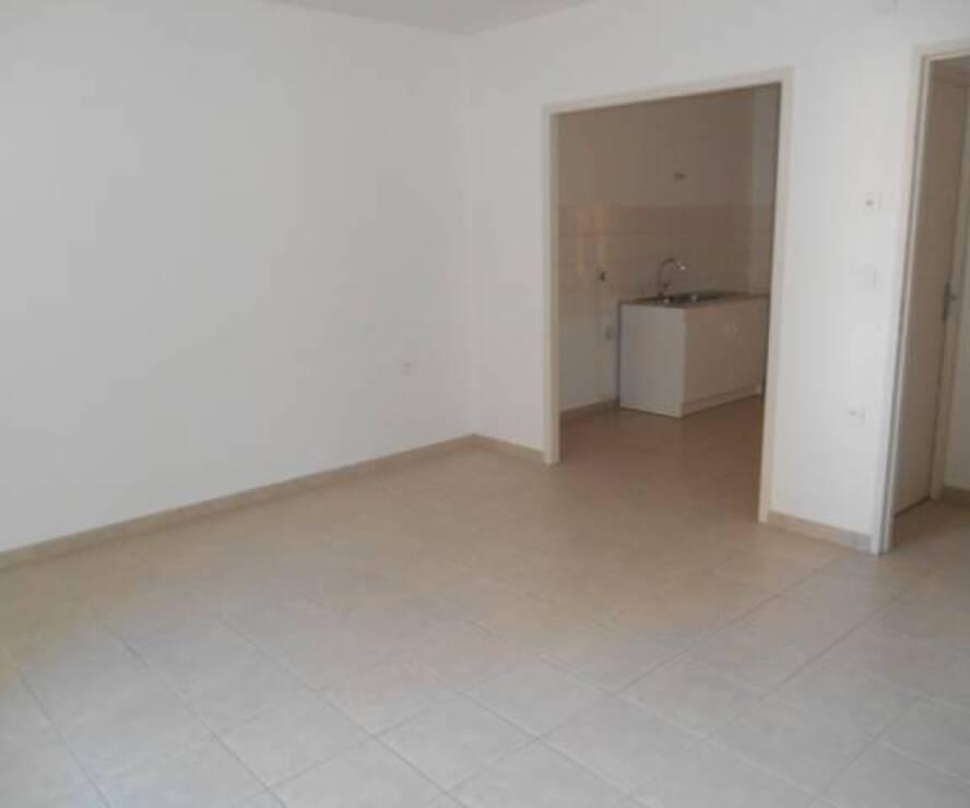 Location Appartement 2 pièces 46m² Cours-la-Ville (69470) - photo