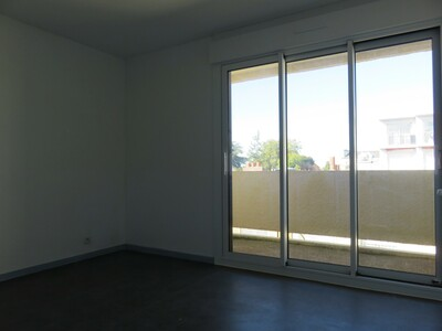 Location Appartement 3 pièces 70m² Pau (64000) - Photo 6