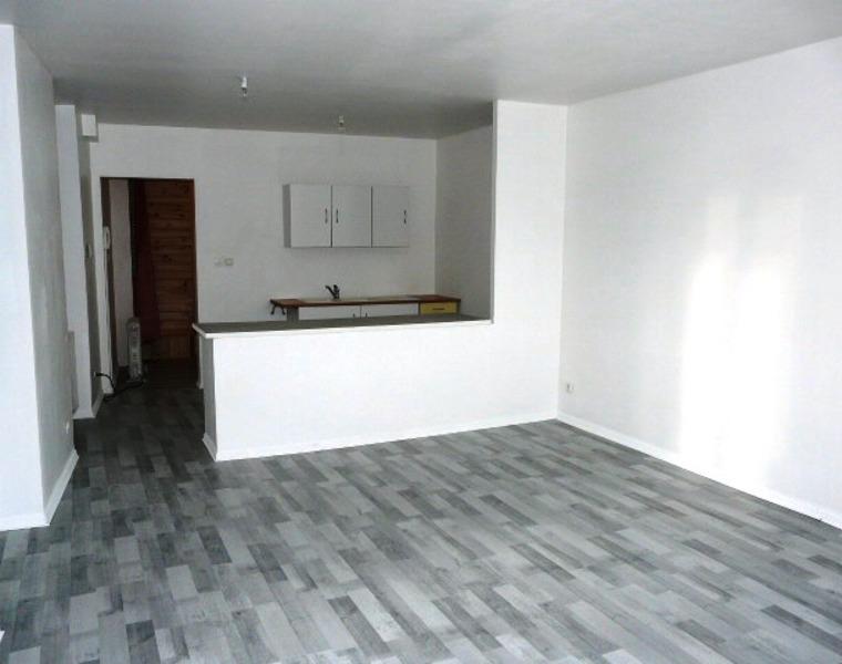Location Appartement 3 pièces 62m² Cours-la-Ville (69470) - photo
