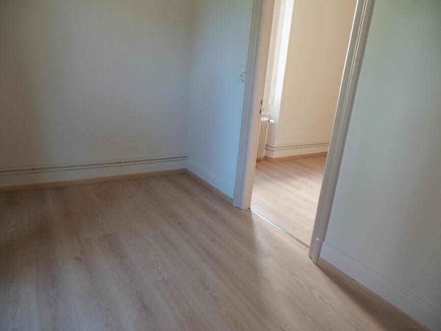 location appartement 5 pi ces mulhouse 68100 277568. Black Bedroom Furniture Sets. Home Design Ideas