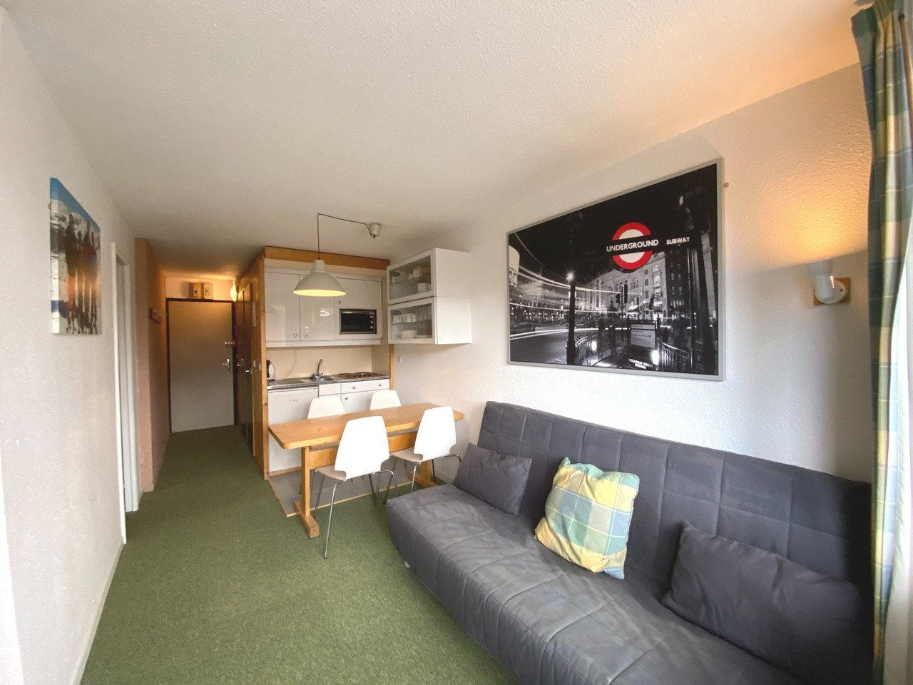 1 BEDROOM + 1 CABIN APARTMENT CLOSE TO THE CENTRE AND THE SLOPES Accommodation in Val Thorens