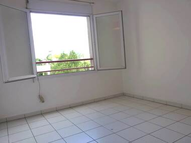 Location Appartement 1 pièce 16m² Saint-Denis (97400) - photo
