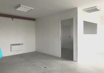 Location Bureaux 43m² Boeschepe (59299) - photo