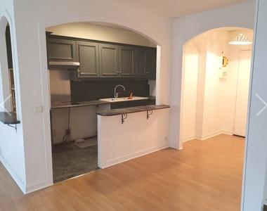 Sale Apartment 2 rooms 45m² Paris 10 (75010) - photo