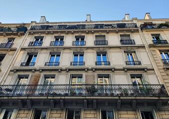 Vente Appartement 3 pièces 77m² Paris 10 (75010) - Photo 1