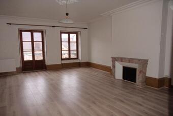 Location Appartement 3 pièces 80m² Lure (70200) - photo