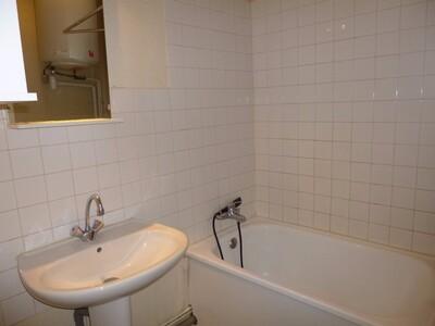 Location Appartement 1 pièce 36m² Saint-Étienne (42000) - Photo 6
