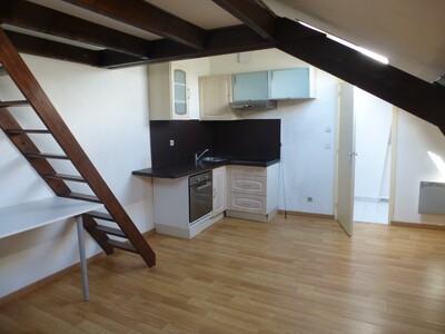 Sale Apartment 1 room 25m² Houdan (78550) - photo
