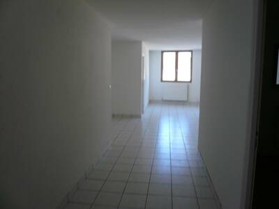 Location Appartement 71m² Billom (63160) - Photo 12