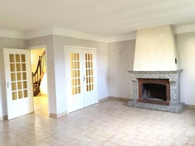 Location Maison 6 pièces 146m² Sury-le-Comtal (42450) - Photo 3
