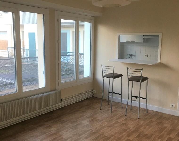 Renting Apartment 3 rooms 43m² Pau (64000) - photo