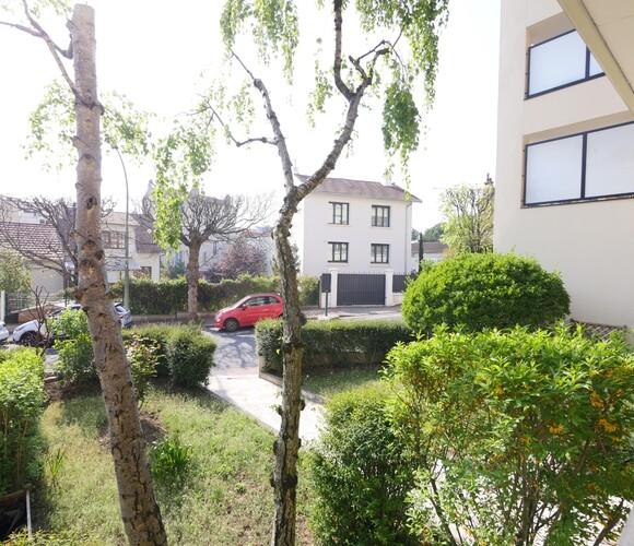 Location Appartement 3 pièces 75m² Suresnes (92150) - photo