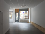 Location Local commercial 3 pièces 70m² Saint-Étienne-de-Saint-Geoirs (38590) - Photo 3