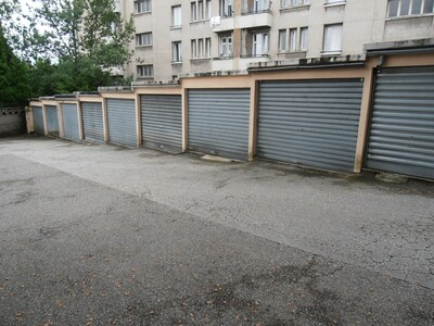 Location Garage Saint-Étienne (42100) - photo