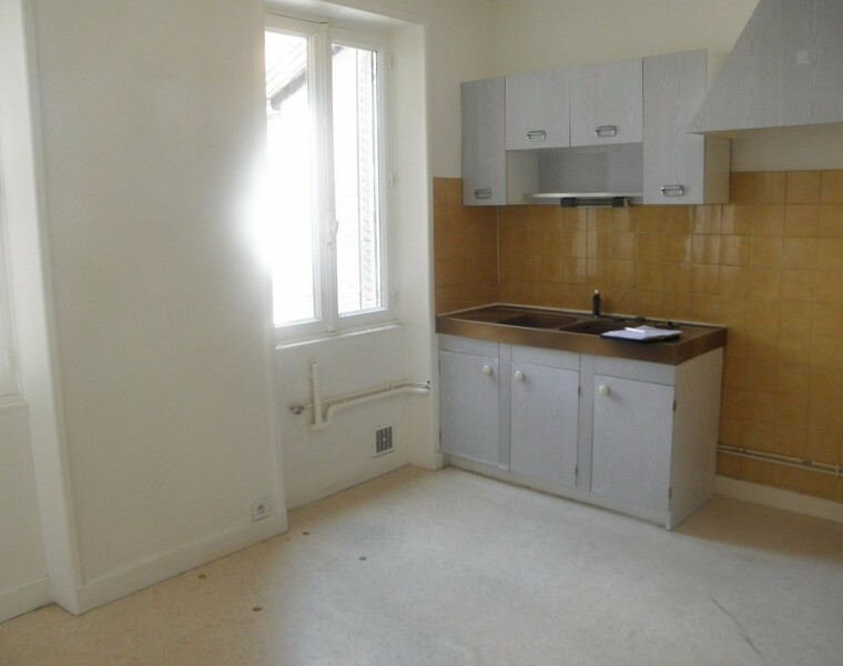 Location Appartement 4 pièces 62m² Charlieu (42190) - photo