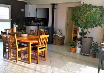 Vente Maison 4 pièces 94m² Saint-Clair-de-la-Tour (38110) - Photo 1