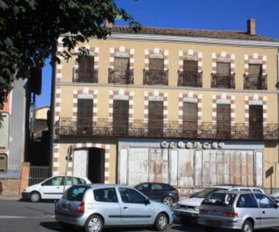 Sale House 400m² SECTEUR L'ISLE EN DODON - photo
