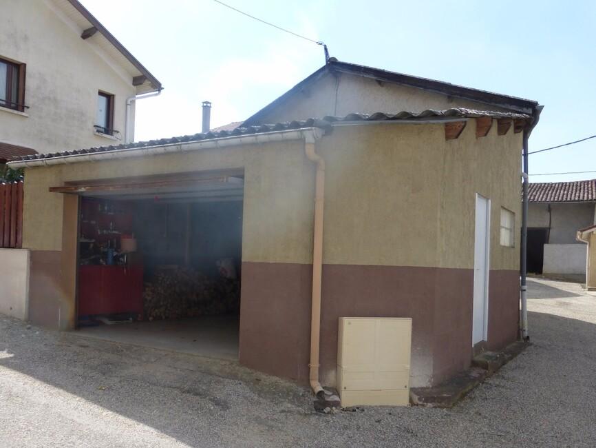 Vente maison 5 pi ces pommier de beaurepaire 38260 295908 for Garage saint jean de bournay