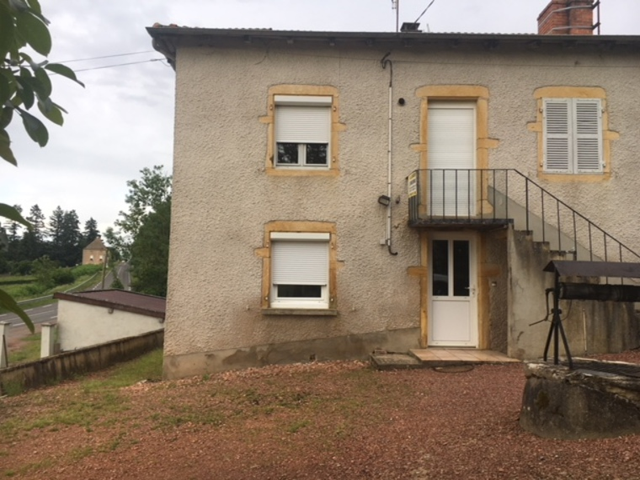 Location Maison 92m² Chandon (42190) - photo