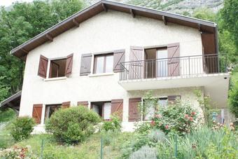Sale House 7 rooms 127m² Saint-Égrève (38120) - photo