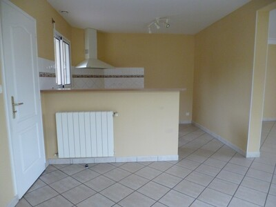 Location Maison 4 pièces 97m² Momas (64230) - Photo 3