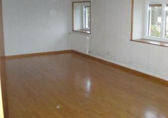 Location Appartement 4 pièces 123m² Thizy (69240) - photo 2