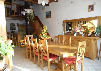 Vente Maison 7 pièces 195m² Vy-le-Ferroux (70130) - photo