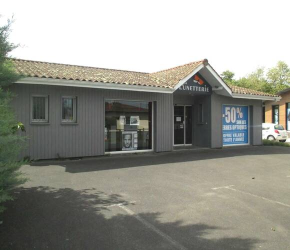 Vente Local commercial 3 pièces 110m² Audenge (33980) - photo
