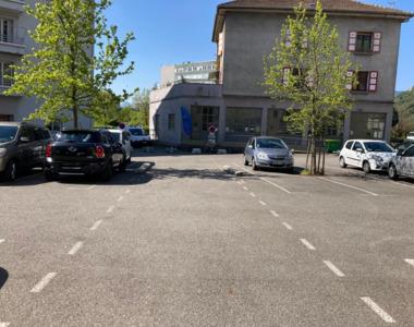 Location Garage 16m² La Tronche (38700) - photo