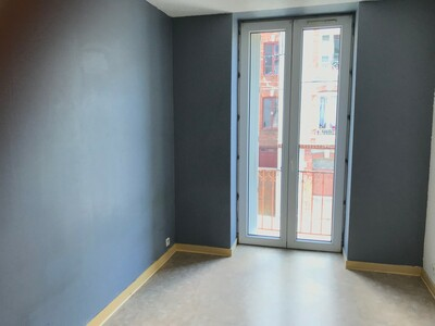 Location Appartement 4 pièces 84m² Saint-Étienne (42000) - Photo 3