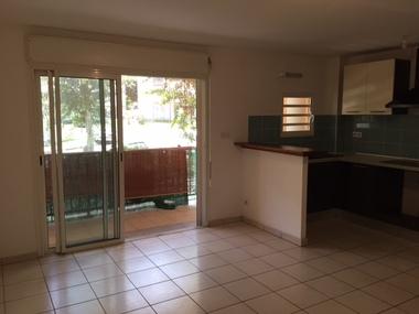 Location Appartement 3 pièces 60m² Sainte-Clotilde (97490) - photo