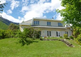 Sale House 7 rooms 257m² Saint-Ismier (38330) - Photo 1