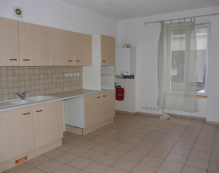 Location Appartement 2 pièces 35m² Cours-la-Ville (69470) - photo