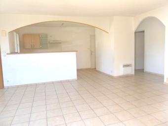Location Maison 4 pièces 80m² Saint-Laurent-de-la-Salanque (66250) - photo 2