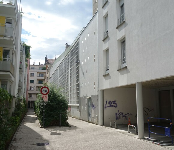 Location Garage 12m² Grenoble (38000) - photo