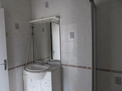 Location Appartement 48m² Billom (63160) - Photo 15